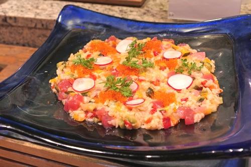 カリフォルニア産米カルローズマグロと彩り野菜のサラダ